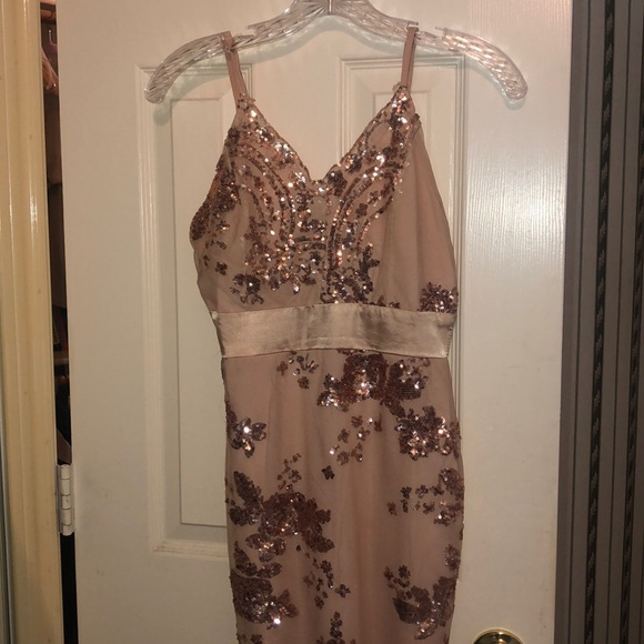 Charlotte Russe Dresses & Skirts - Pink sequined dress